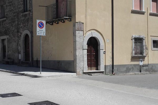 CASA IN PIENO CENTRO -a pochi metri dalla bellissima piazza centrale San Martino- COD 113 U