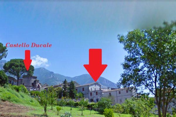 COD 315 U (a) CASA CARATTERISTICA IN PIENO CENTRO ALLE SPALLE DEL CASTELLO DUCALE